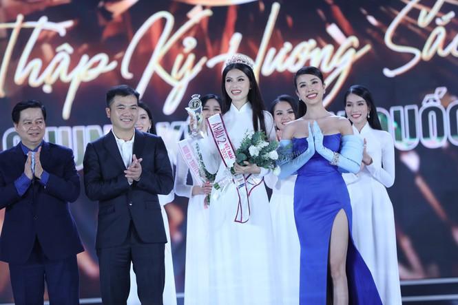 Ngắm nhan sắc 'vạn người mê' của hai Á hậu Hoa hậu Việt Nam 2020 - Ảnh 9.
