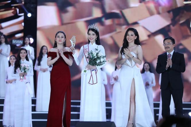 Ngắm nhan sắc 'vạn người mê' của hai Á hậu Hoa hậu Việt Nam 2020 - Ảnh 1.