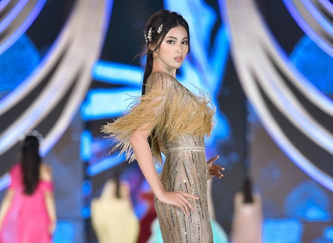Ngắm nhan sắc 'vạn người mê' của hai Á hậu Hoa hậu Việt Nam 2020 - Ảnh 11.