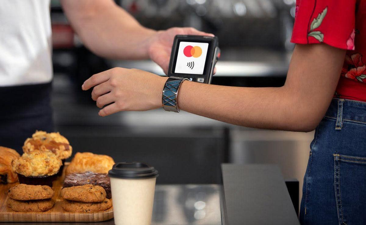 Công nghệ mới hỗ trợ thanh toán không tiếp xúc - Ảnh 1.