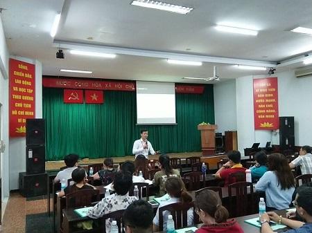 Thành phố Hồ Chí Minh:  Tập huấn kiến thức an toàn thực phẩm cho người sản xuất, chế biến tại các cơ sở bếp ăn tập thể, chế biến suất ăn sẵn  - Ảnh 2.