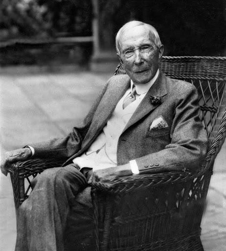 Bài học ăn bớt kinh điển từ tỷ phú dầu mỏ Rockefeller: Bắt nhân viên giảm 1 giọt chất lỏng, tiết kiệm được hàng trăm nghìn USD - Ảnh 1.