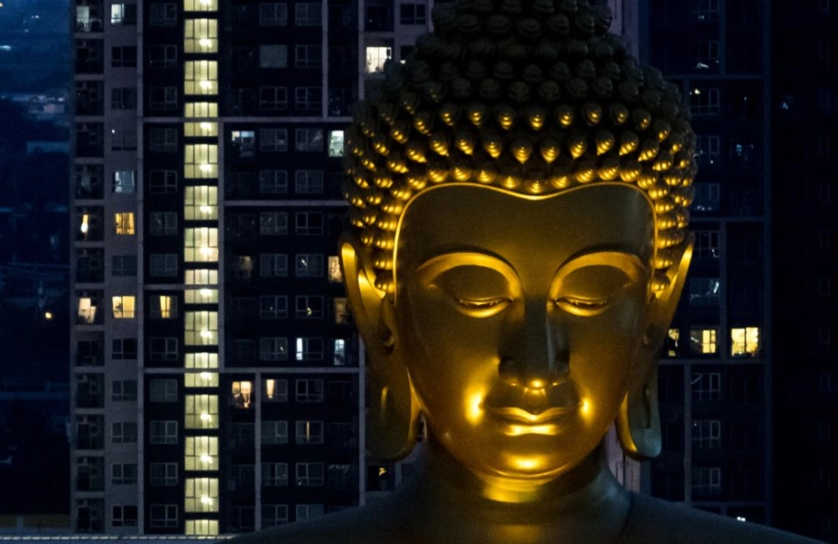24h qua ảnh: Tượng phật khổng lồ nổi bật trong đêm ở Thái Lan - Ảnh 2.