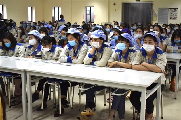 Bắc Giang: Tập huấn về kiến thức pháp luật cho công nhân lao động - Ảnh 1.
