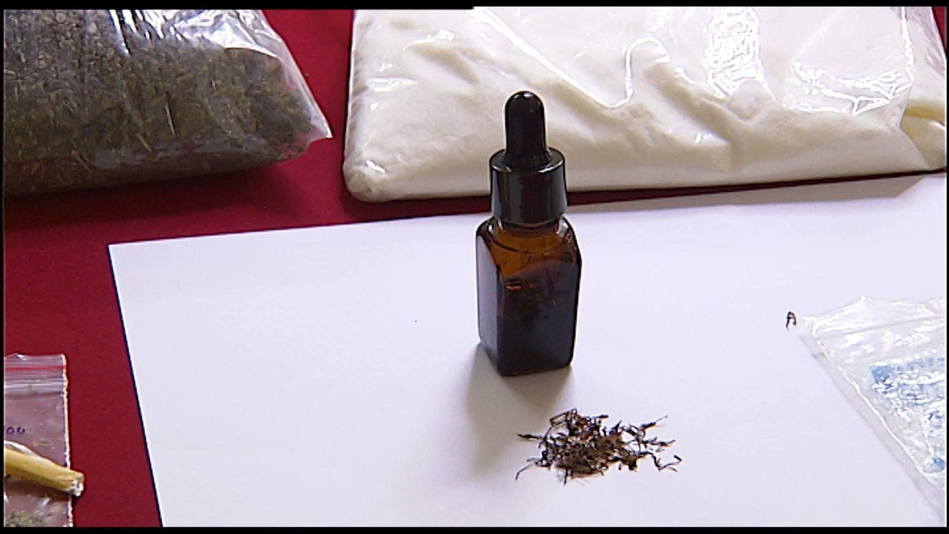 Sốc: Phát hiện thuốc lá điện tử có chứa ma túy tổng hợp, nguy cơ tàn phá sức khỏe học sinh - Ảnh 5.