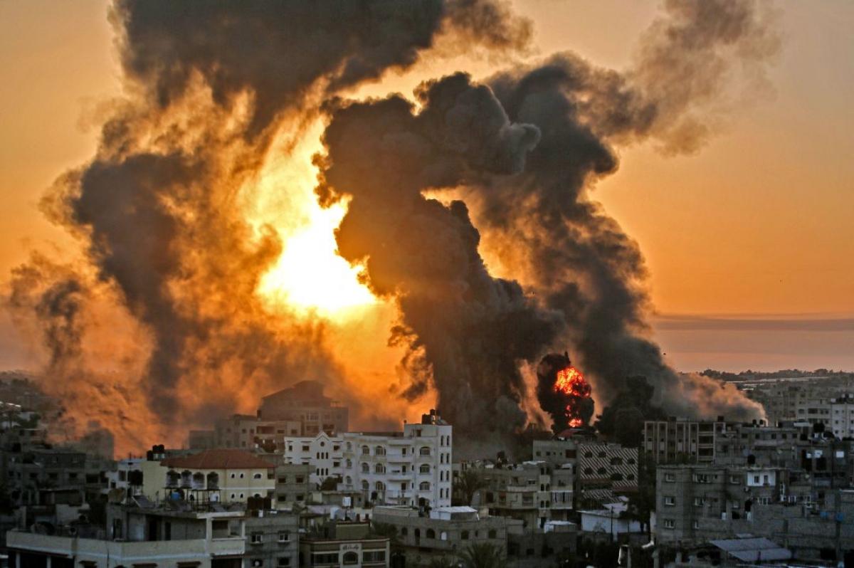 Chiến sự Israel-Palestine nóng: Khốc liệt và đẫm máu - Hình ảnh khủng khiếp từ hiện trường - Ảnh 4.