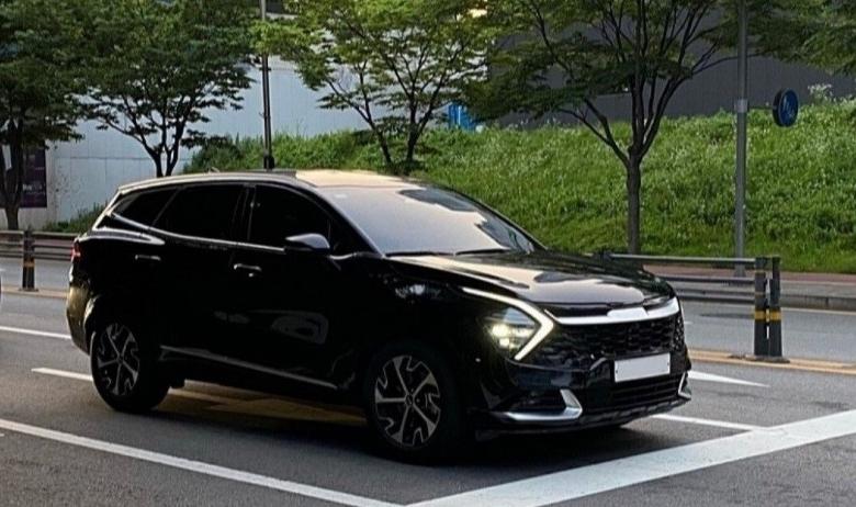 Kia Sportage đẹp khó cưỡng, bầu trời công nghệ phả hơi nóng Mazda CX-5, Hyundai Tucson - Ảnh 1.