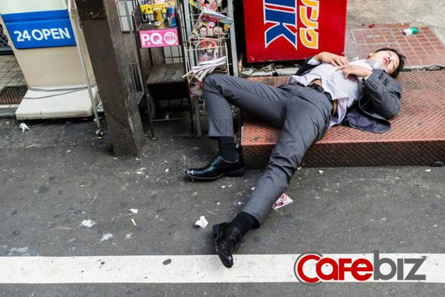 Nhật Bản - Thiên đường của những kẻ nát rượu: Thoải mái nhậu nhẹt, say nằm vật ra đường vì xã hội quá an toàn, tôn trọng không gian riêng tư tuyệt đối - Ảnh 4.