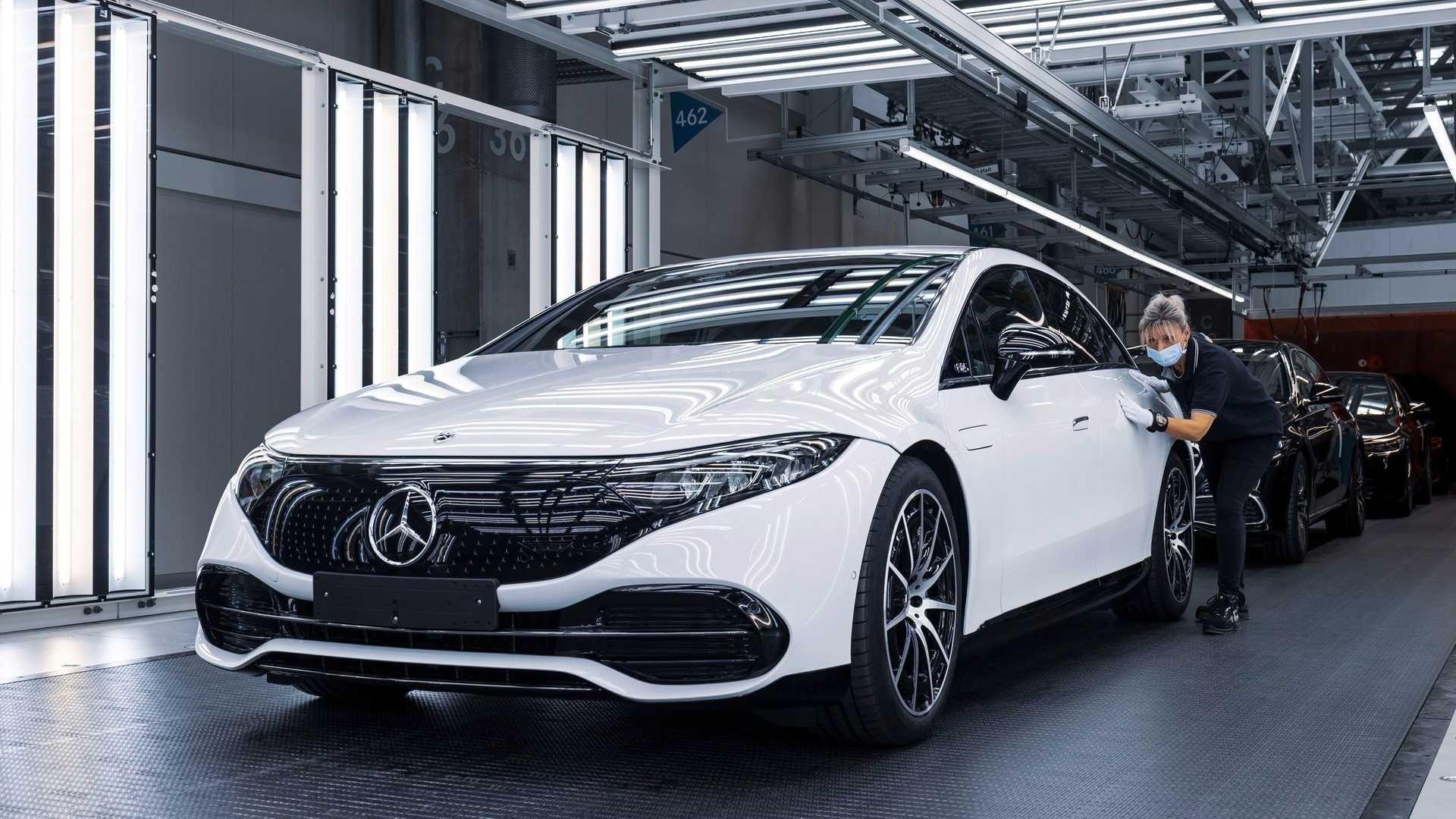 Siêu phẩm xe điện Mercedes-Benz EQS đã có giá bán, thấp nhất 106.000 euro - Ảnh 1.