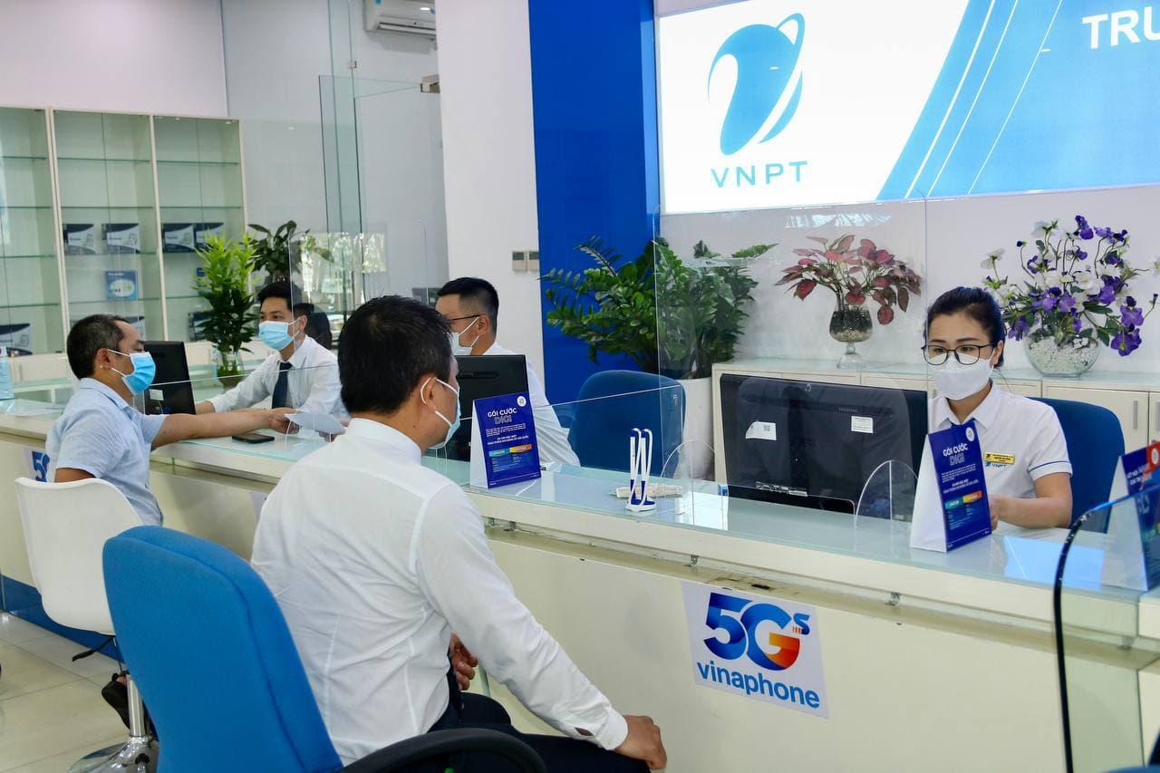 Các nhà mạng Việt đồng loạt tăng băng thông, giảm giá cước trong mùa dịch - Ảnh 1.