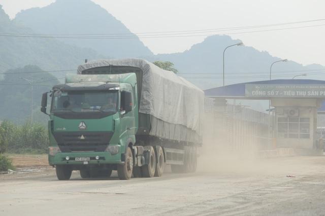 """Thanh Hóa: Những xe tải Logo """"Vip"""" của doanh nghiệp đang tung hoàng tại Tx Bỉm Sơn - Ảnh 1."""