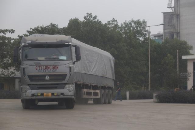 """Thanh Hóa: Những xe tải Logo """"Vip"""" của doanh nghiệp đang tung hoàng tại Tx Bỉm Sơn - Ảnh 2."""