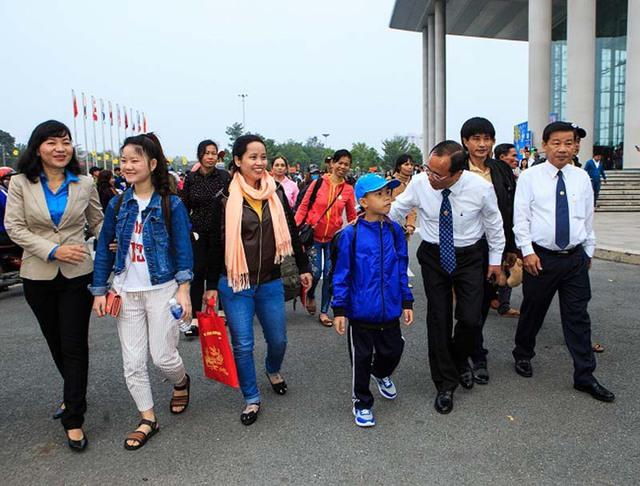 Bình Dương: Liên đoàn Lao động tỉnh tập trung chăm lo Tết Tân Sửu 2021 cho người lao động - Ảnh 1.