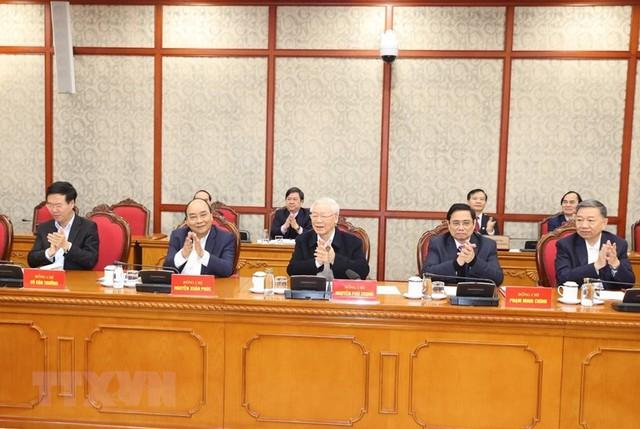 Tổng Bí thư, Chủ tịch nước Nguyễn Phú Trọng chủ trì phiên họp đầu tiên của Bộ Chính trị, Ban Bí thư - Ảnh 1.