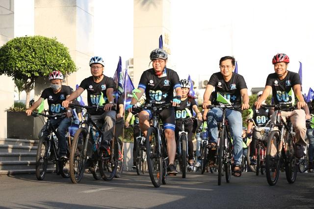 Hơn 300 CBNV Tổng công ty Điện lực TP Hồ Chí Minh đạp xe hưởng ứng Giờ trái đất 2021 - Ảnh 1.