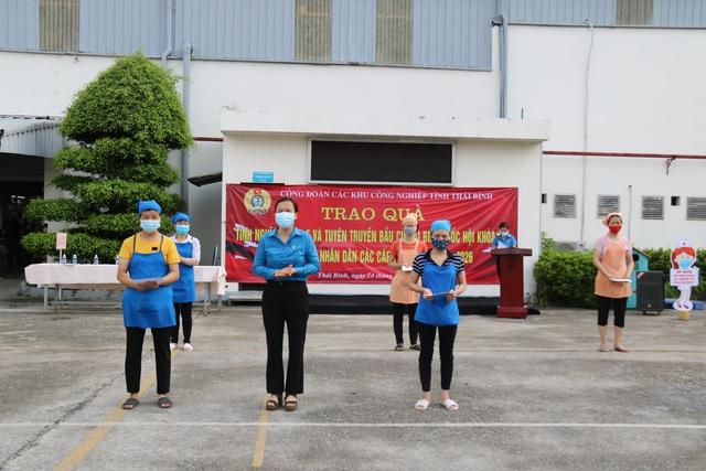 Thái Bình: Trao 500 suất quà tình nghĩa cho đoàn viên, công nhân lao động - Ảnh 1.