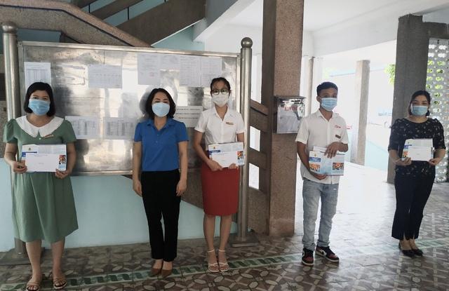 Thái Bình: Trao quà cho người lao động trong dịp Tháng công nhân - Ảnh 3.