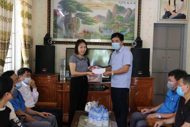Thái Bình: Thăm, tặng quà hơn 50 đoàn viên mắc các bệnh hiểm nghèo, tai nạn lao động - Ảnh 2.