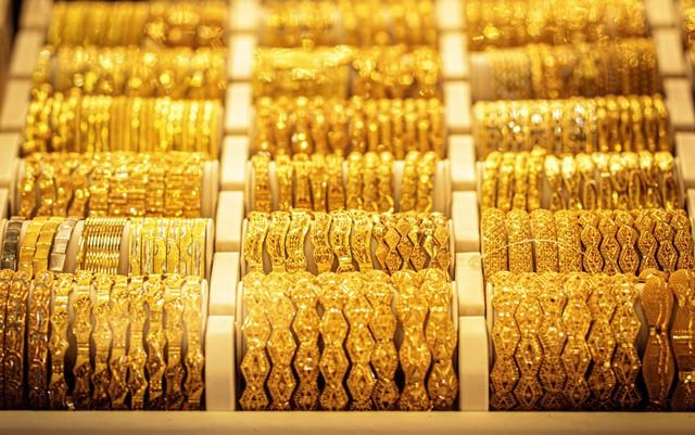 Giá vàng hôm nay 4/6: 'Bốc hơi' 40 USD, xuống ngưỡng 1.870 USD - Ảnh 1.