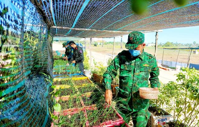 Kiên Giang: Những nỗ lực thầm lặng của cán bộ Hậu cần trên chốt liên ngành tuyến biên giới Hà Tiên - Ảnh 1.