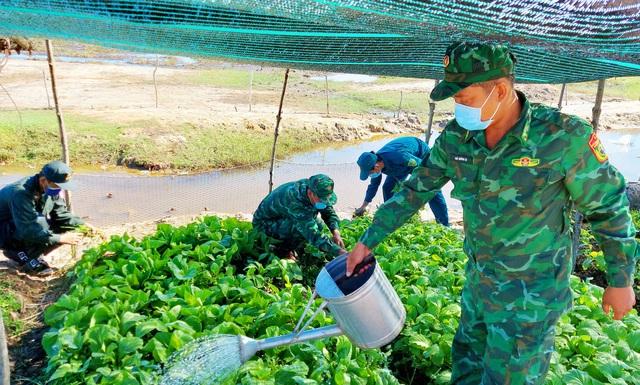 Kiên Giang: Những nỗ lực thầm lặng của cán bộ Hậu cần trên chốt liên ngành tuyến biên giới Hà Tiên - Ảnh 2.