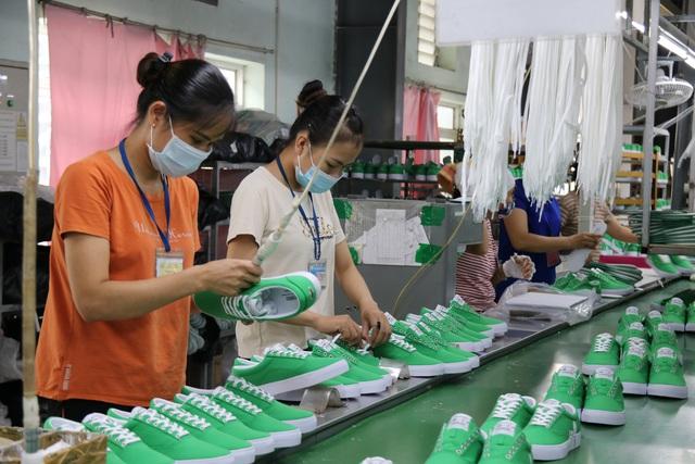 Thái Bình: Nâng cao biện pháp phòng, chống dịch Covid-19, đảm bảo an toàn cho sản xuất. - Ảnh 1.