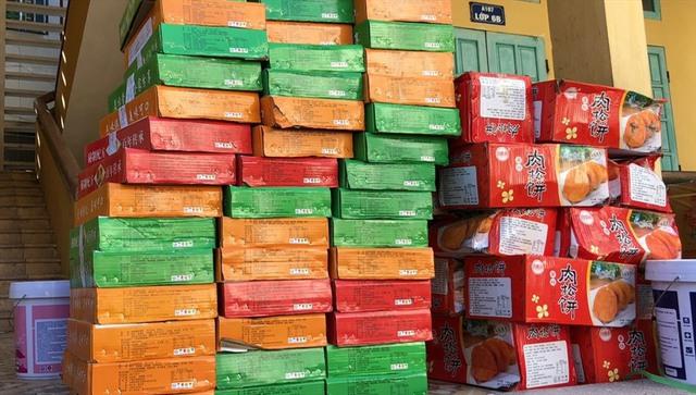 Hà Nội: Thu giữ hơn 11.000 chiếc bánh trung thu không rõ nguồn gốc - Ảnh 1.