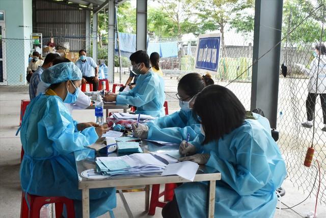 Thị xã Điện Bàn quyết liệt ứng phó với diễn biến phức tạp của dịch COVID-19 - Ảnh 2.