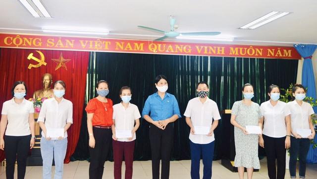 Thái Bình: Trao kinh phí hỗ trợ đoàn viên bị ảnh hưởng bởi dịch bệnh Covid -19 - Ảnh 2.