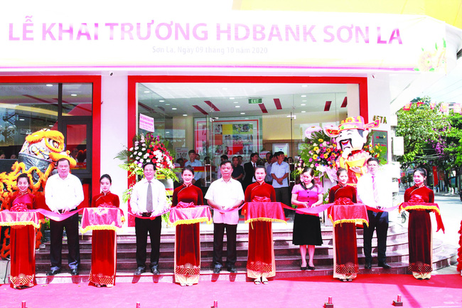 HDBank chính thức có mặt tại xứ hoa Tây Bắc  - Ảnh 1.