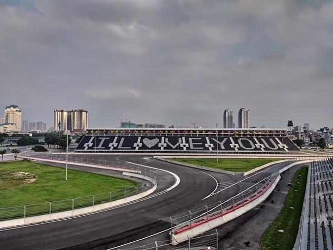 Chính thức hủy chặng đua F1 tại Việt Nam - Ảnh 1.