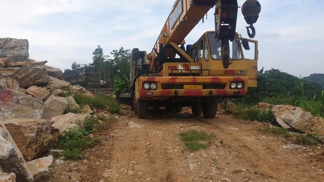 Nghệ An: Công an huyện Nghĩa Đàn bắt quả tang xe một doanh nghiệp đang vận chuyển khoáng sản trái phép - Ảnh 3.