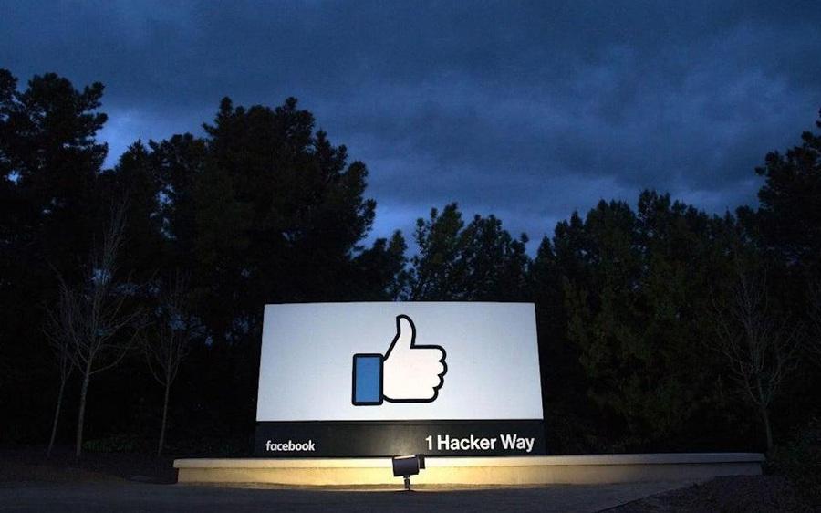 Sự cố rung chuyển toàn cầu của Facebook: Đột ngột ngừng hoạt động như thể nói 'Tạm biệt chúng tôi đi đây' khiến 3,5 tỷ người dùng chao đảo, không thể làm việc, giao tiếp, kiếm tiền