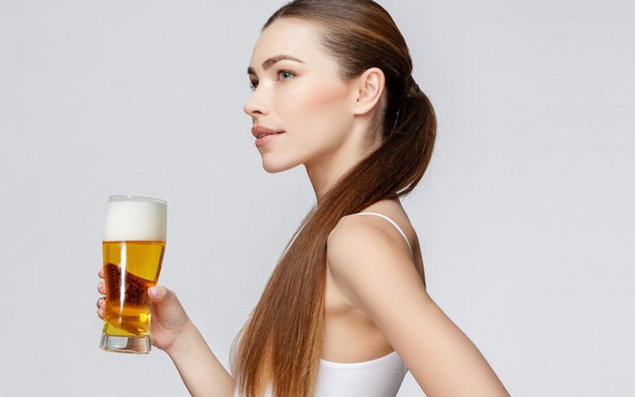 Mẹo ủ tóc bằng bia giúp tóc mềm mượt, chắc khỏe