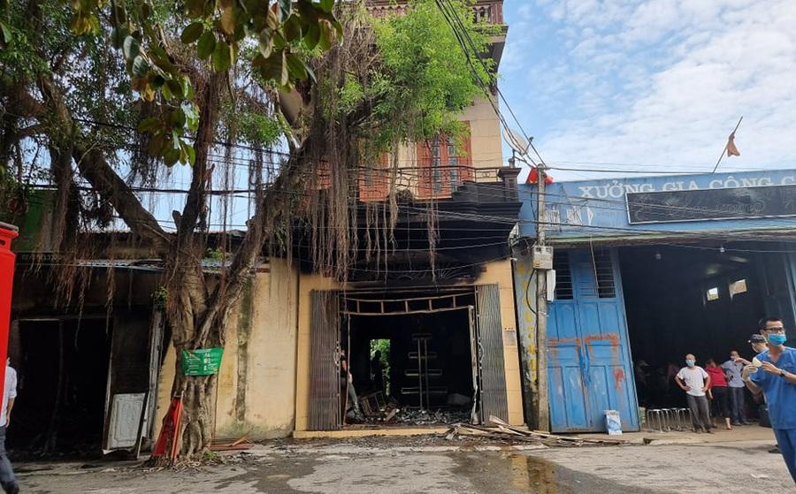 Hải Phòng: 2 vợ chồng tử vong trong căn nhà bốc cháy dữ dội lúc rạng sáng