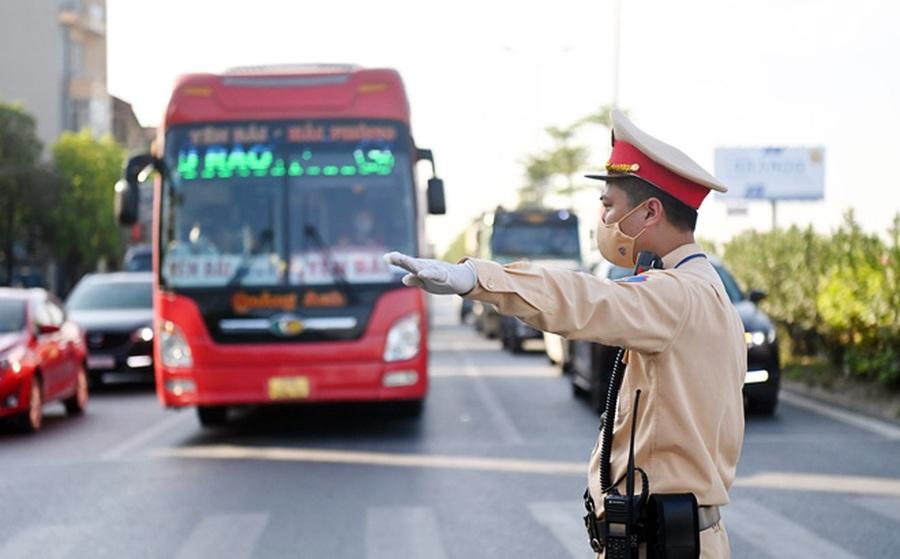 Hà Nội: Người dân muốn ra vào thành phố cần chuẩn bị những giấy tờ gì?