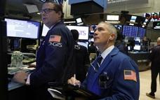 Nhà đầu tư ồ ạt chốt lời trước thời điểm cuối năm, S&P 500 gần như đi ngang