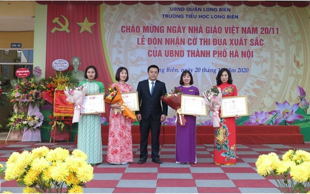Hà Nội: Tưng bừng các hoạt động kỷ niệm 38 năm Ngày nhà giáo Việt Nam