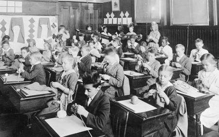Dịch cúm Tây Ban Nha 1918: Điều gì xảy ra khi học sinh đến trường?
