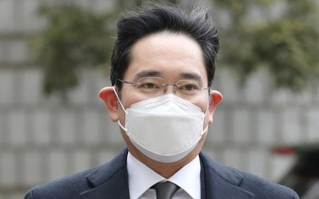 Toàn bộ hoạt động kinh doanh của Samsung được kích hoạt trạng thái 'khẩn cấp' ngay khi 'thái tử' Lee bị tuyên án tù